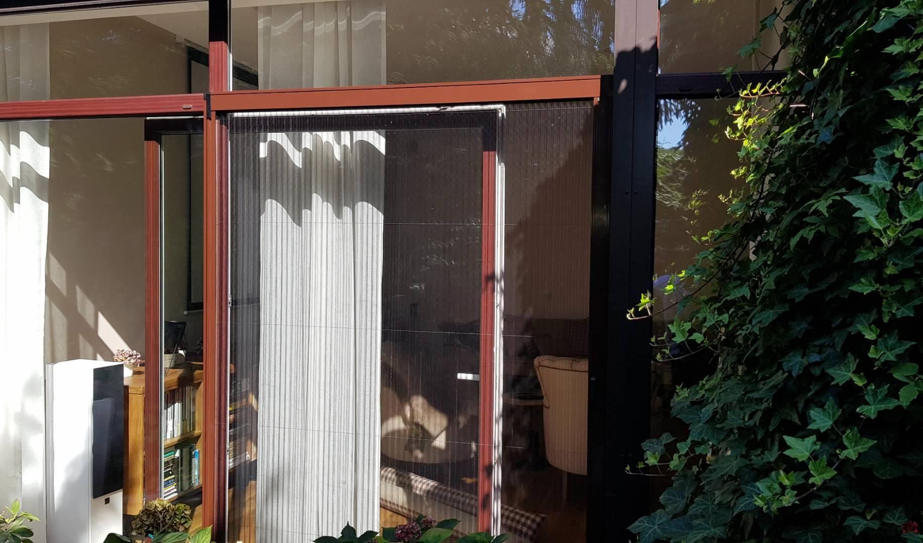 Moskitiera plisowana na oknie tarasowym