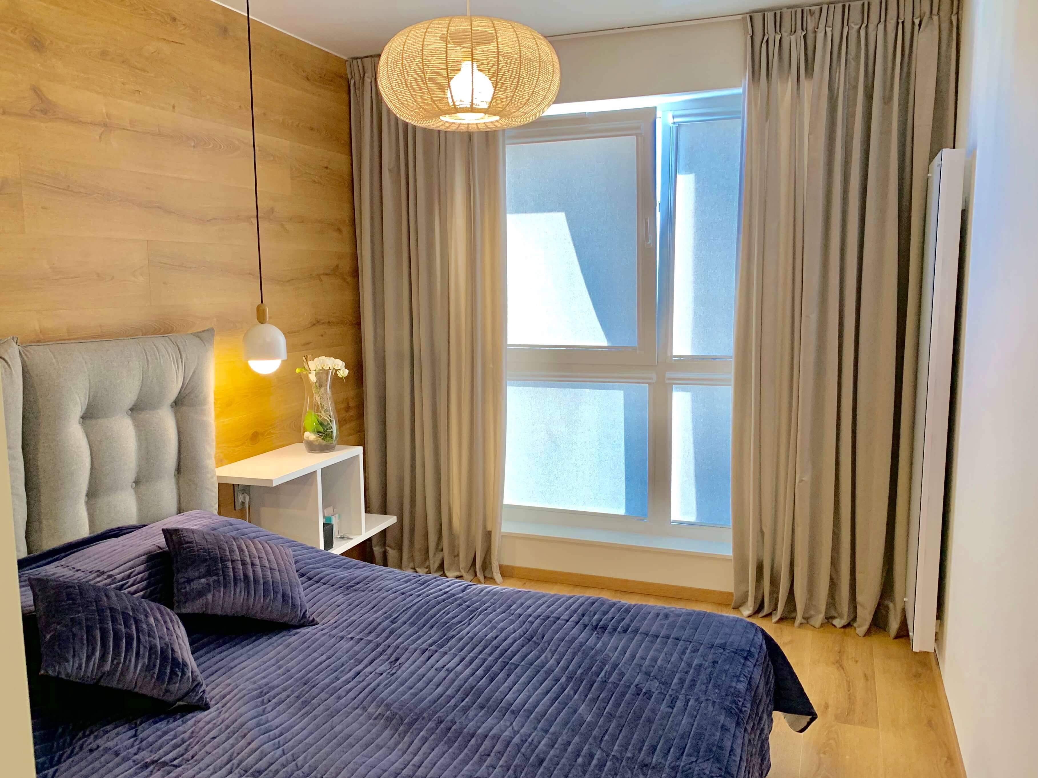Sypialnia drewno plus welur